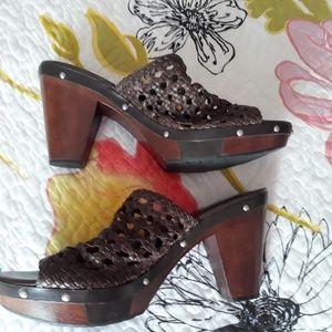 Rockport Adiprene  Chocolate Woven Slides EUC